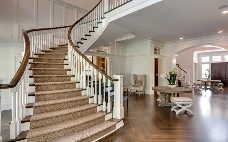 Loyd Keegan Curved Staircase 24